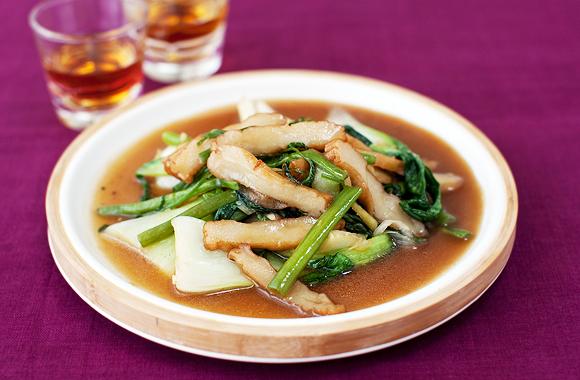 青菜と天ぷらスライスのオイスターソース炒め